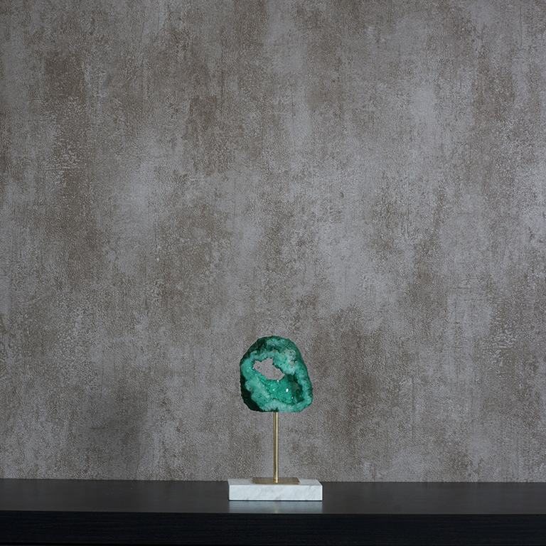 Picturesque Crystal Showpiece (Small) Showpieces