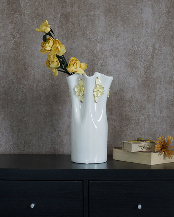 The Ruffle Vase Vases