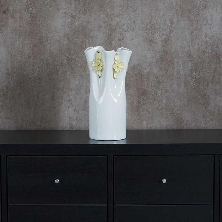 The Ruffle Vase Vases