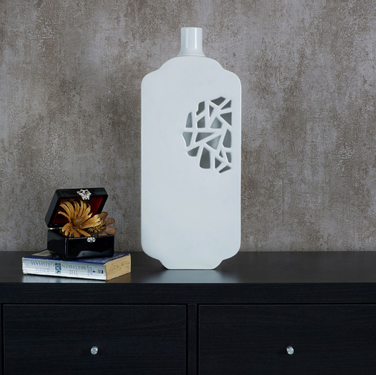 buy curve vase online, Home Decor Online, Buy Vases online, Luxury Decor Online at Beigeandwenge