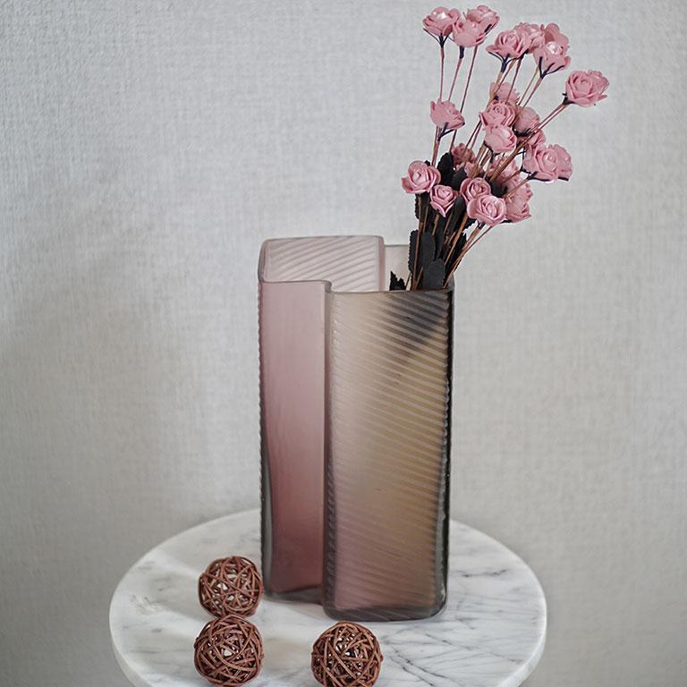 Buy Artful Fluid vase online, Home Decor Online, Buy Vases online, Luxury Decor Online at Beigeandwenge