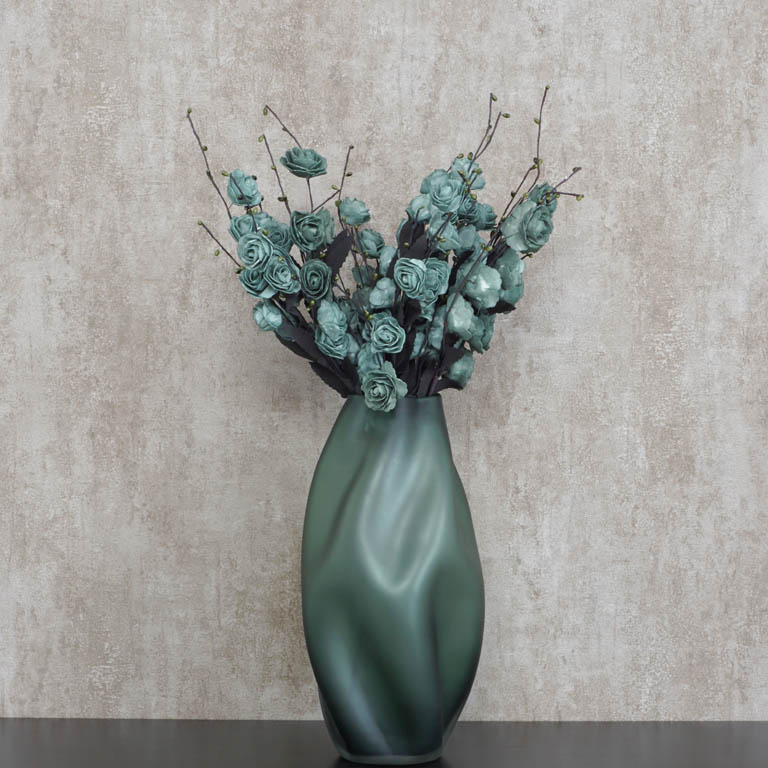 The Imperfectly Perfect Vase (S) Vases